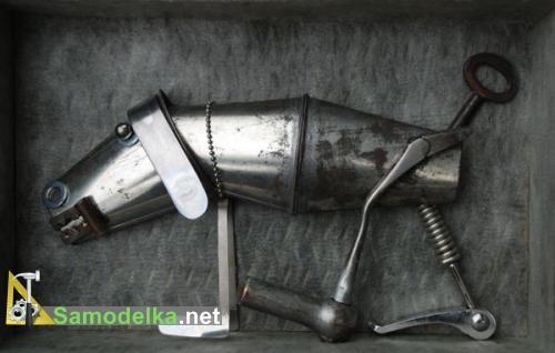 металлическая собака из металлолома