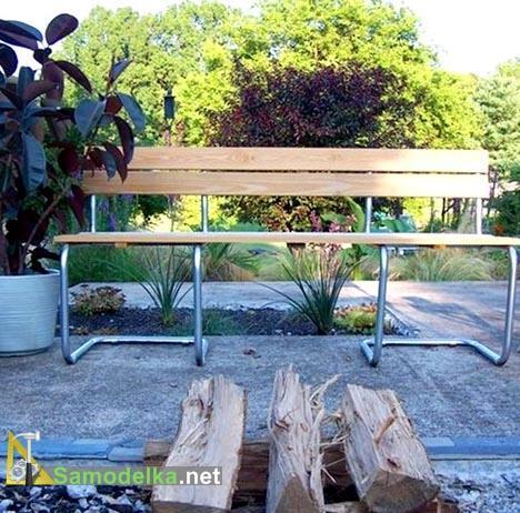 самодельная садовая скамейка из двух офисных стульев