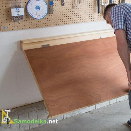 Откидной стол с креплением к стене своими руками готов