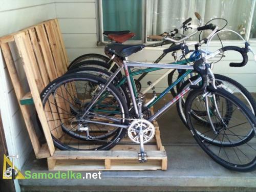 Подставка для велосипеда из поддонов