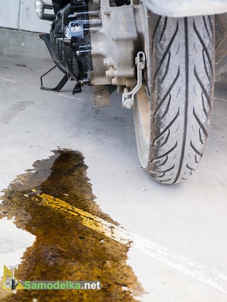 как удалить масляное пятно с бетона