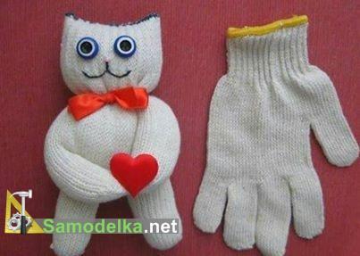 игрушка из перчатки кот
