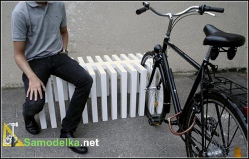 оригинальная стоянка для велосипедов в виде лавочки