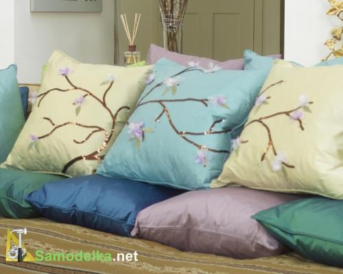 Как сделать диванные подушки с цветущей сакурой