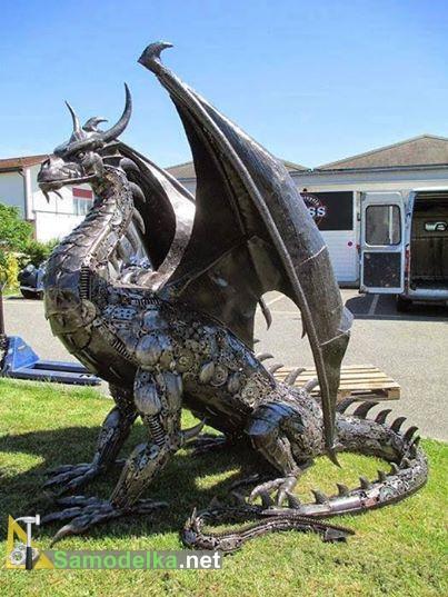 дракон из металлома
