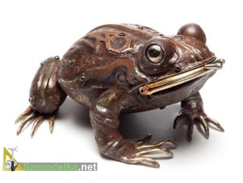 Лягушка из металлолома