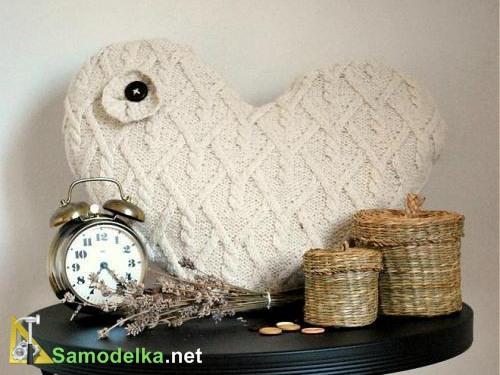 Переделываем старый свитер в подушку
