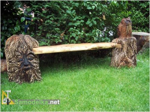составная резная скамейка из дерева фото 1