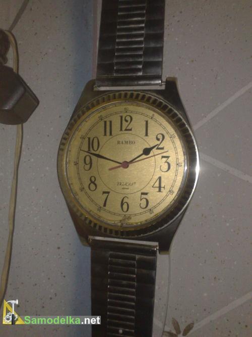 И конечно часы