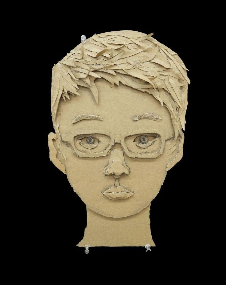 Портрет мальчика из картона