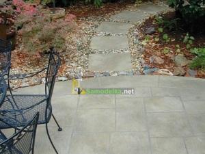 Как сделать дорожку из бетона во дворе на даче