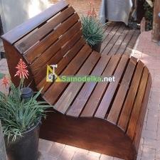 Дачная эргономичная скамья из дерева