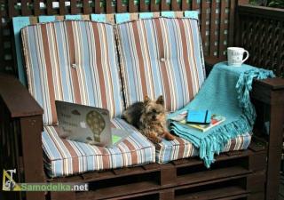 Дачный диван из поддонов