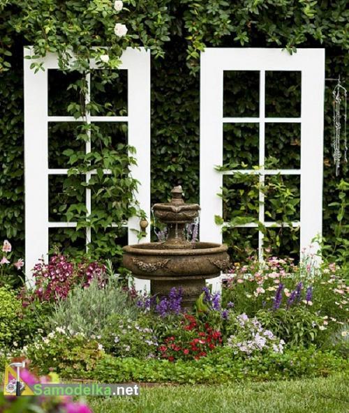 старая дверь переделанная в стену для вьющихся растений