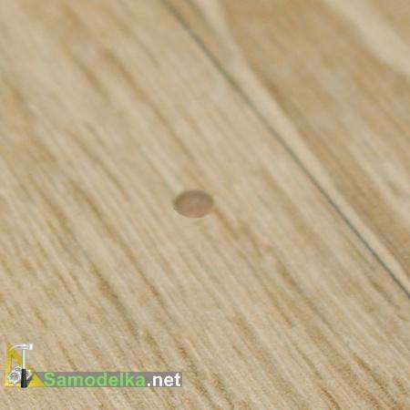 небольшое повреждение на плитке которое можно замаскировать