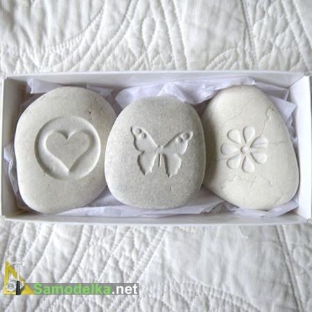 подарок из камня с резьбой