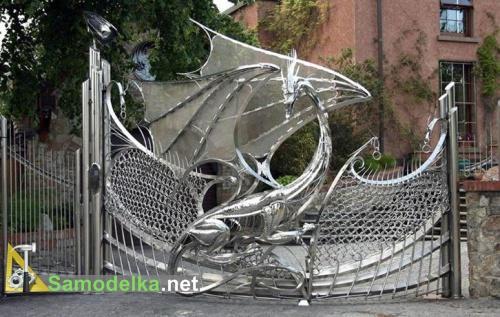 ворота в виде дракона из металла