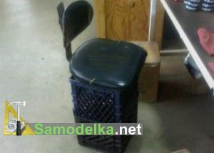 компьютерное кресло из ящиков