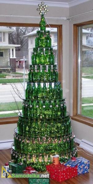 бутылочная елка из пивных бутылок