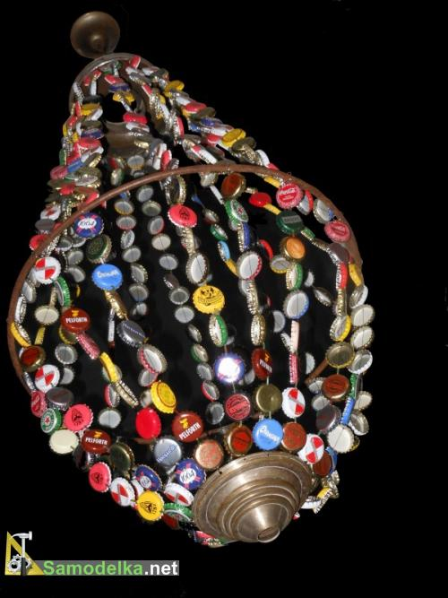 лампа из пивных пробок