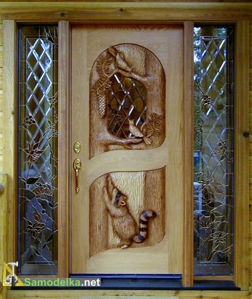 двери деревянные с резьбой
