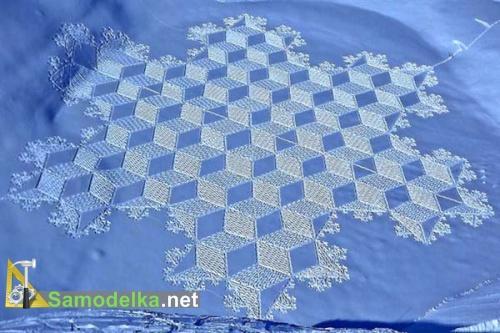 на один снежный рисунок художник тратит уйму времени