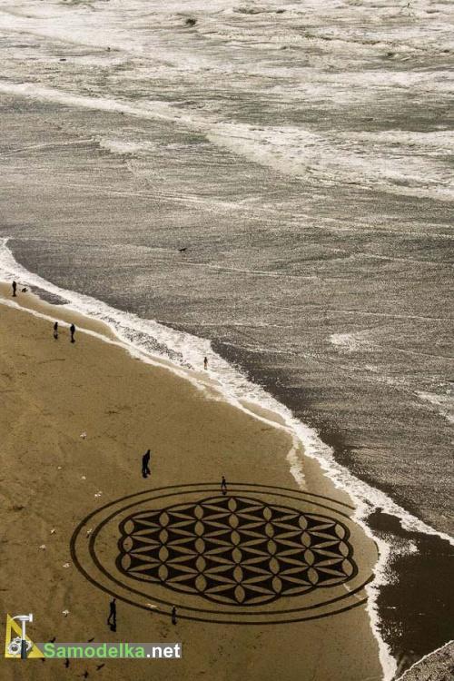 Рисунки на песке Андреса Амадора песчаный круг