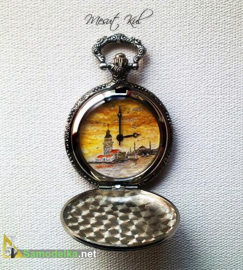 миниатюрные расписные часы Месута Куля