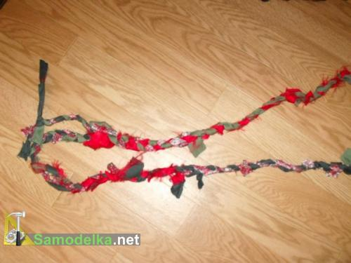 самодельный плетенный коврик из рубашек