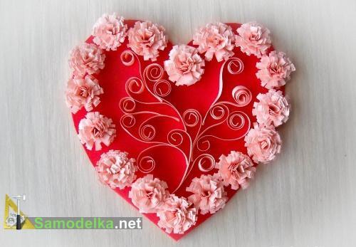 Самодельная открытка валентинка с бумажными цветами