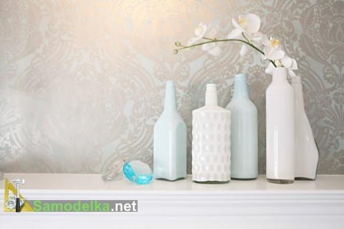 ваза из стеклянной бутылки своими руками белая